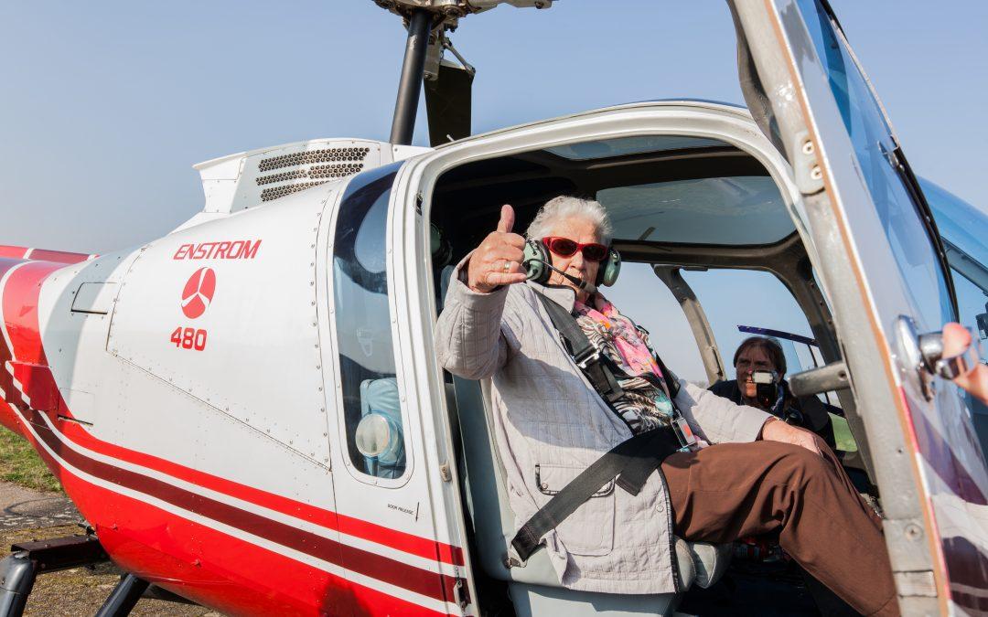 Bewoonster De Morgenster verrast met helikoptervlucht